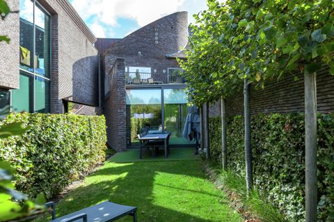 Holiday letting with  Laundry in Bruges