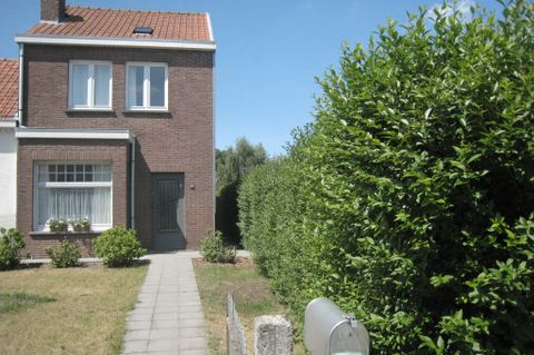 Delightful holiday home in Bruges with TV and Wifi