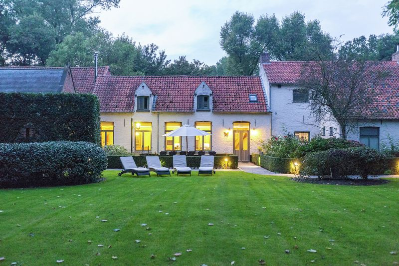 Holiday home in Bruges for 13 guests - 7433713