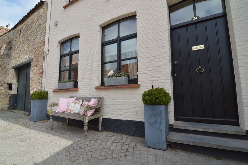 Cosy accommodation of 3 bedrooms in Bruges