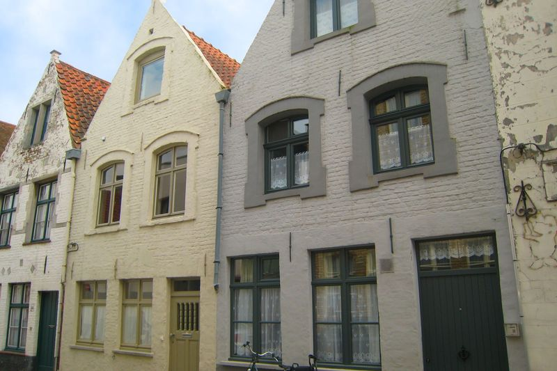 Beautiful apartment in Bruges with Heating and Cot