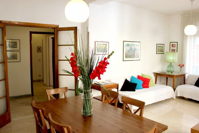 Holiday Flat for 9 in Rome