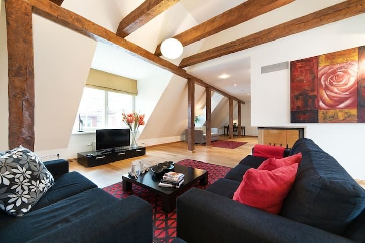 Luxurious 2 bedroom Old Town apart