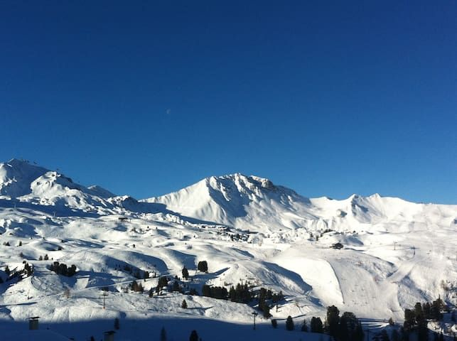 Sunny apartment at the foot of the slopes at Belle Plagne
