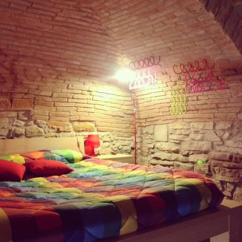 HOME LAURA - RED LOFT