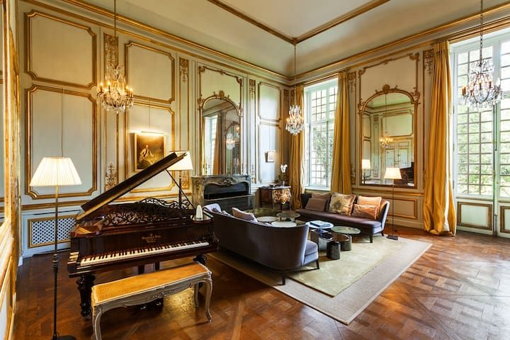 Magnificent private mansion 20 minutes from Paris