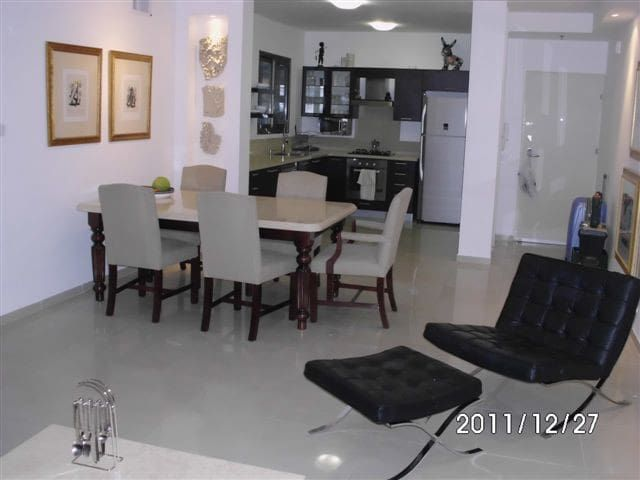 Upmarket Apartment on Poleg Beach in Netanya
