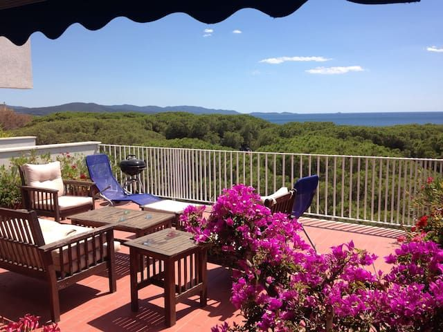 Apartment, sleeps 6, 2 ch. Terrace sea view, 80 M Belle Plage Follonica, Tuscany