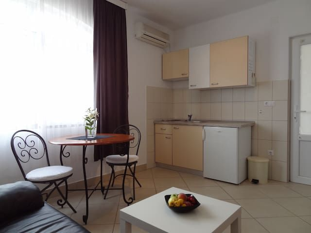 studio apartment 2 (2+1)