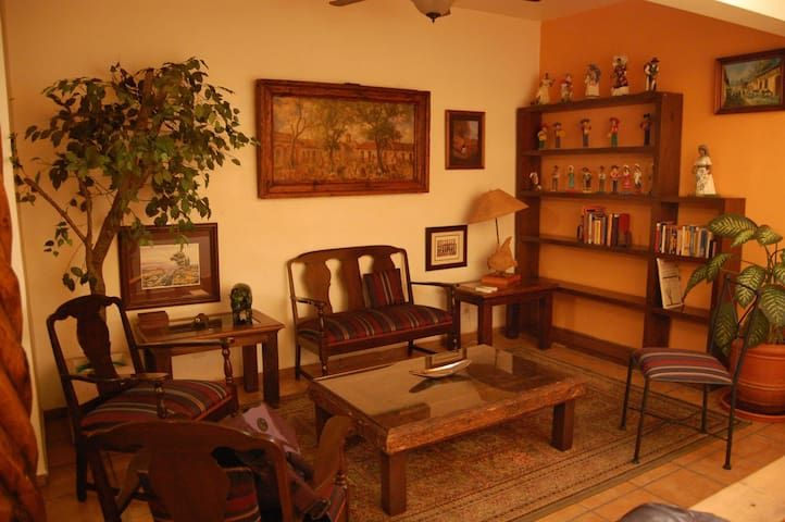 Large apartment downtown Morelia