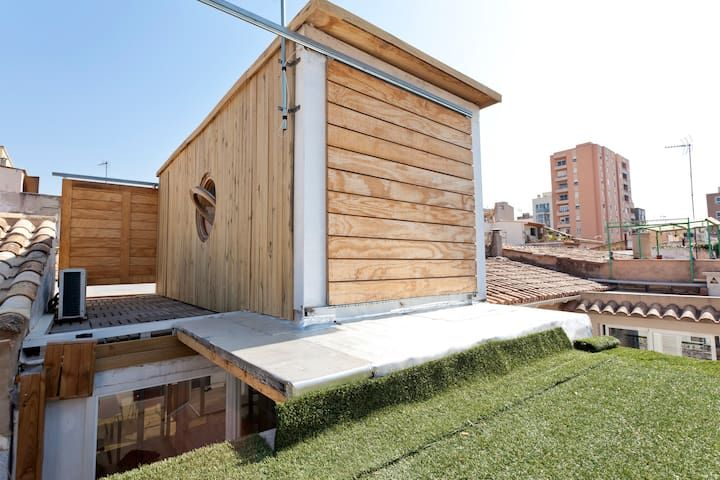 Container house in Palma! with small private pool.