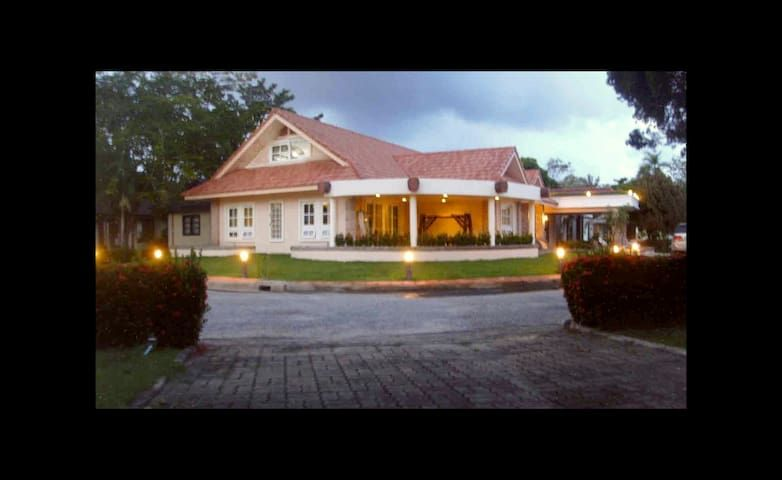 Executive Villa @ Mae Phim Beach