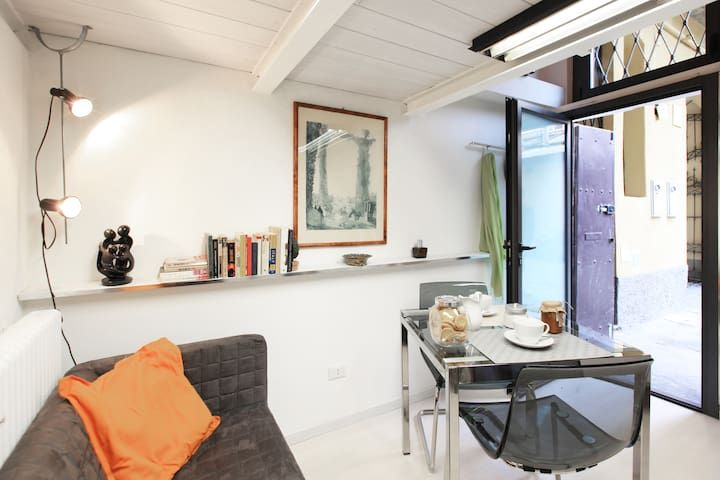 Studio in Navigli area with parking