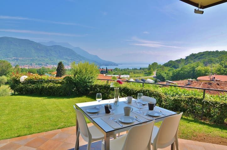 Two Bedroom Lake Garda View Flat Prestine Garden