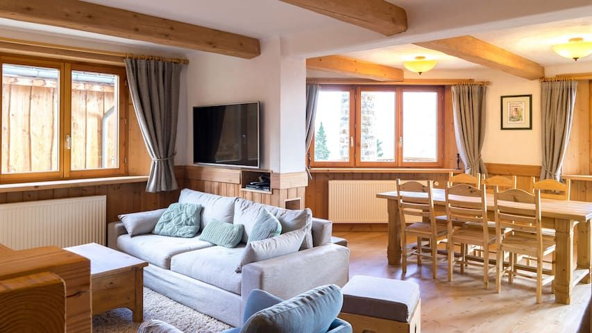 6-8 people, 4* Chalet on the slopes