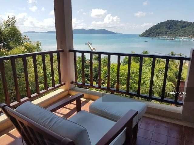 Breathtaking sea view, luxurious 2BR Duplex Suite