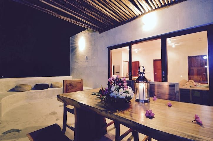 Beautiful Beachfront Villa on Gili Air