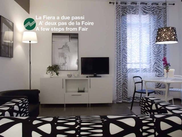 Rho-Fiera -CimarhosaHouse  Black & White