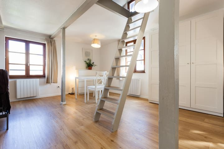 Spacious studio flat with mezzanine