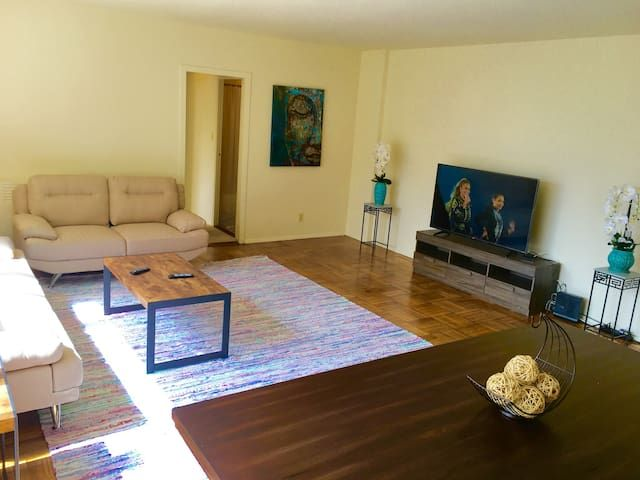 Heart of LA,Specious 2br/2 ba with w/d in unit