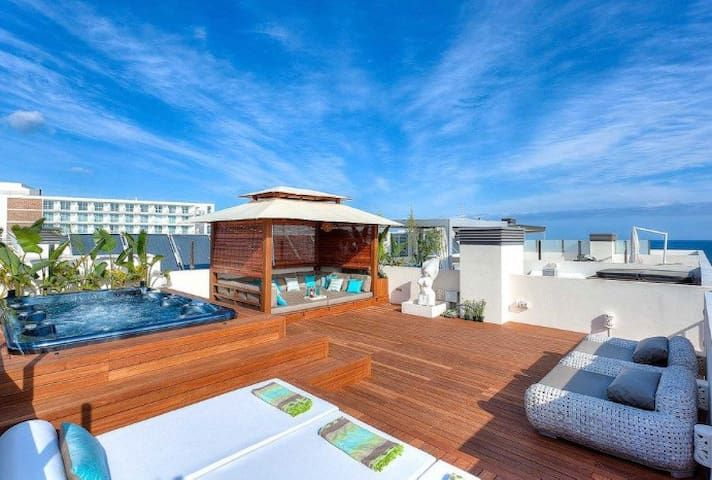 Luxury penthouse with jacuzzi 3 bedrooms in amazing complex