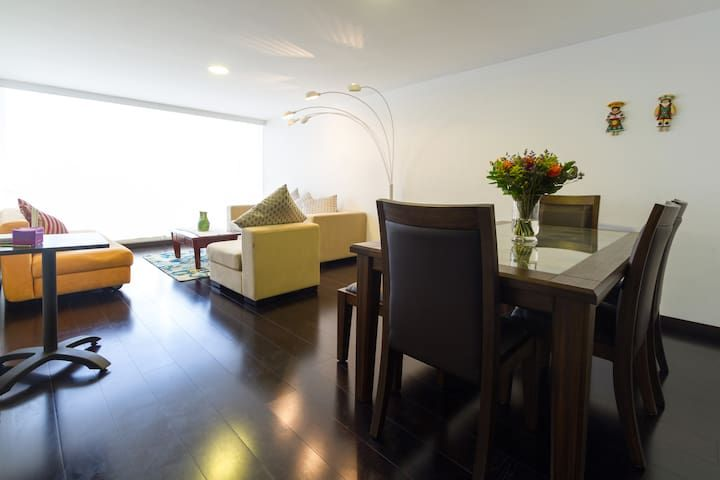 BEAUTIFUL FURNISHED LUXURY APARTMENT IN QUITO