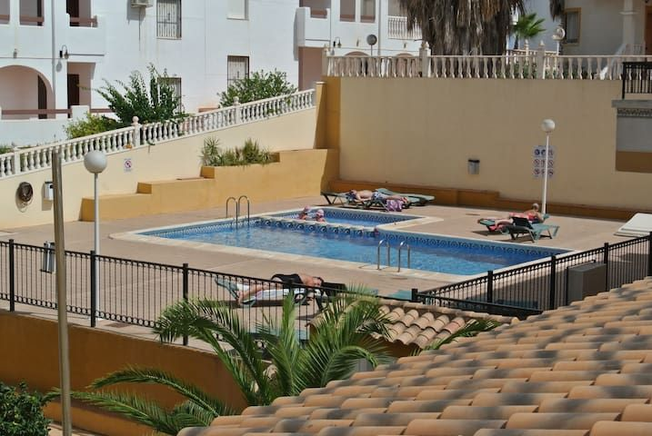 Excellent apartment beside Villamartin Plaza.