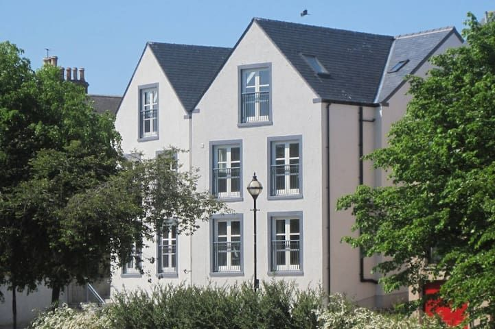 Luxury Self Catering Accommodation(2 or 3 Bedroom)