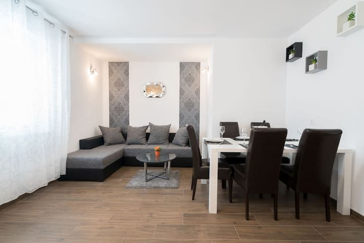 Apartamento con parking incluído en Split