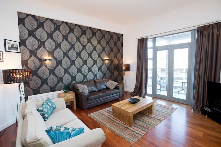 Exclusive and Stylish City Centre Apartment