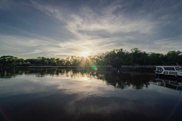 Floating House - Floating House