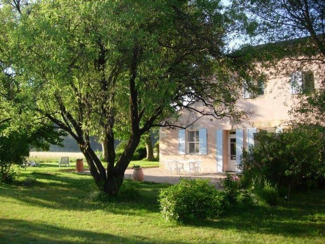 Lou Pastre, 2 Bedroom Cottage with WiFi and Fireplace