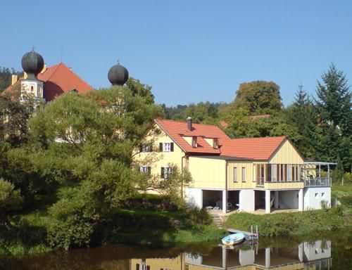 BEAUTIFUL HOLIDAY APARTMENTS DIRECTLY AT THE RIVER