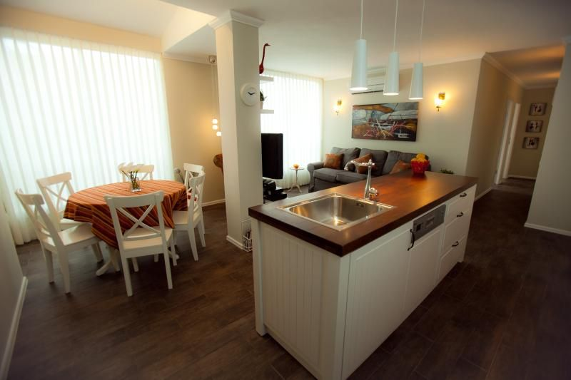 Lili's Place 2BR- Feel at Home-3 min Walk to beach