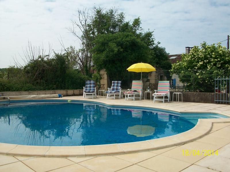 Traditional house with pool in Charente/Dordogne