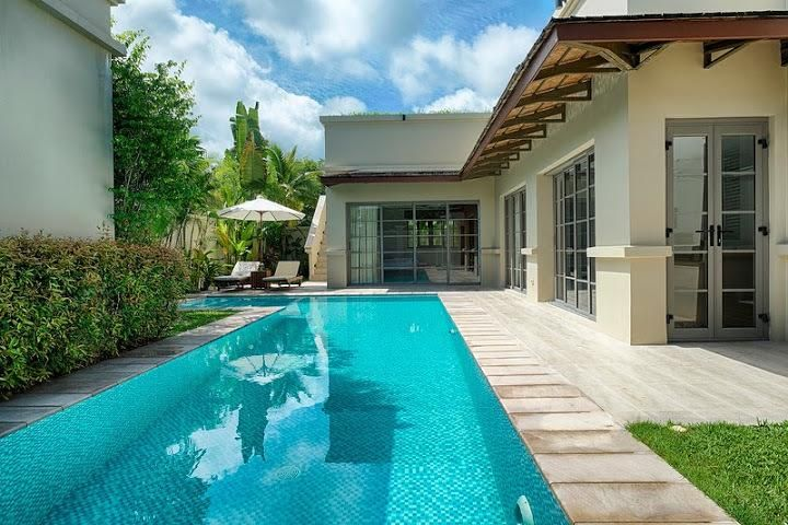 Luxury pool villa in Bang Tao (2BR)
