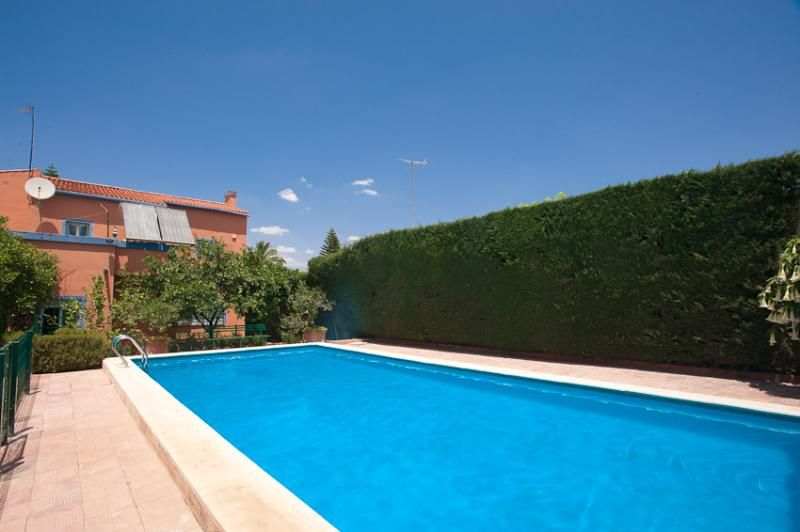 Perfectly located villa with pool