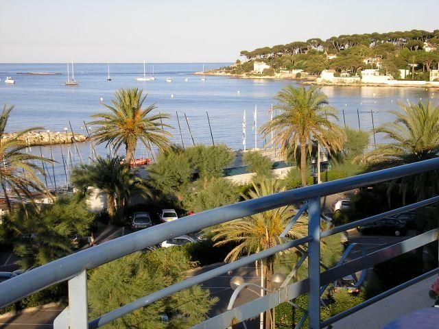 ENJOY SPECTACULAR VIEWS AND LOVELY BEACHES