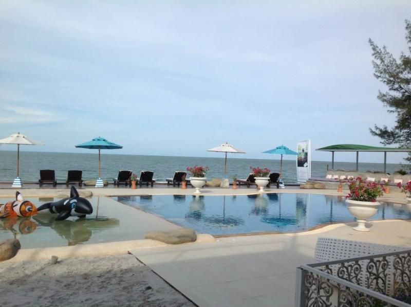 2 Bedrooms: Holidays resorts for family