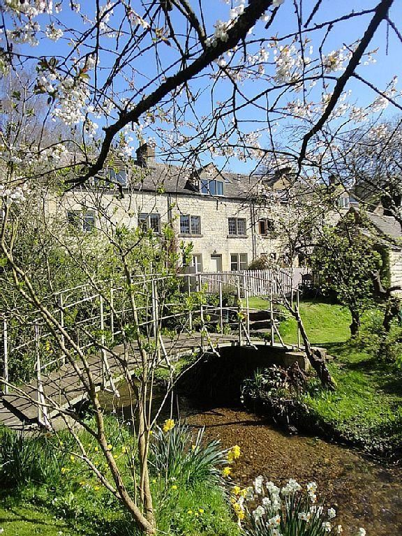 Cotswold Stone Cottage In The Slad Valley