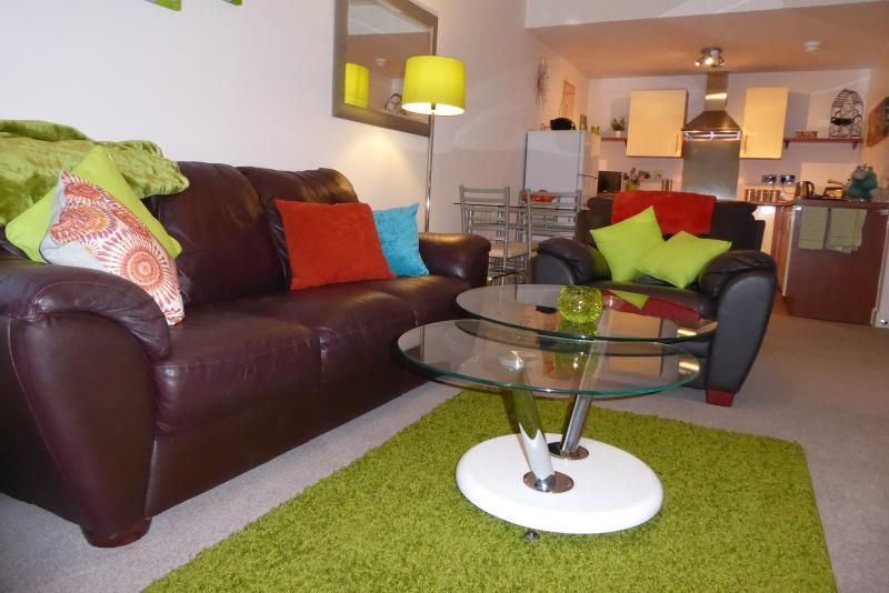 Chester Canalside City Centre Apartment