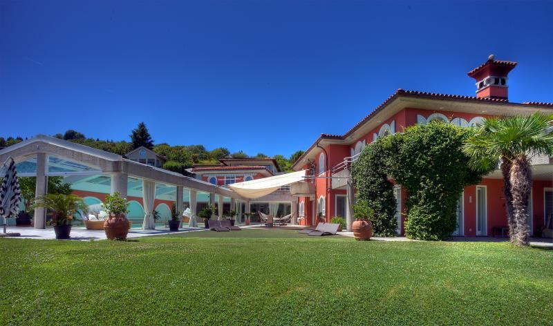 Villa Colombei – with Pool, Fitness, Squash & Spa