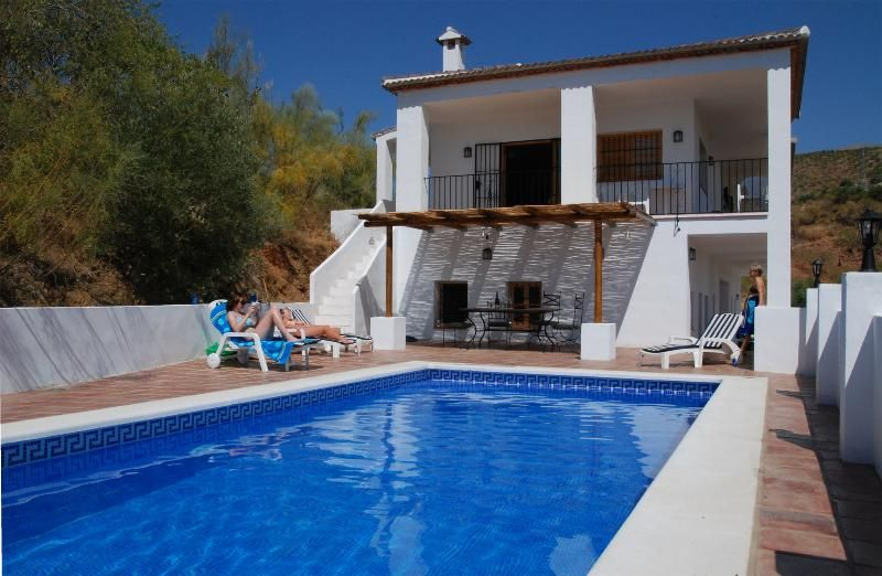 Fabulous Holiday Country Villa - very private