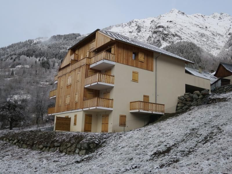 Large modern apartment in Vaujany near Alpe d'Huez
