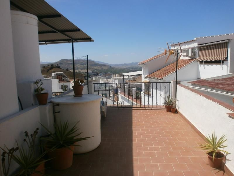 Beautiful Townhouse In The Centre Of Alora,   WiFi