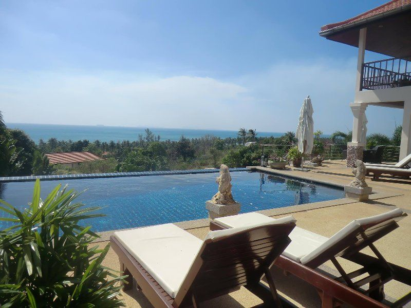 Fantastic Seaview - Huge Pool! Villa Serena 4BR