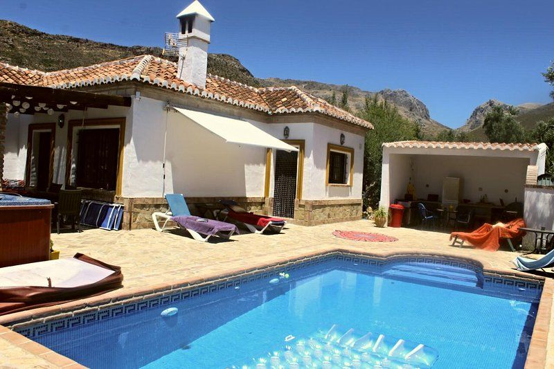 Holiday villa for rent in Alcaucín