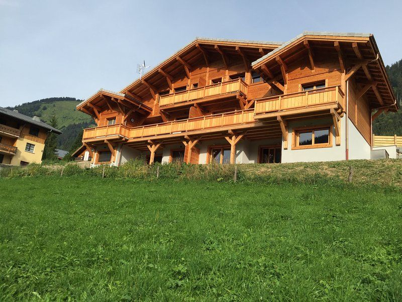 chalet l'etringa, centre of chatel, sleeps 12