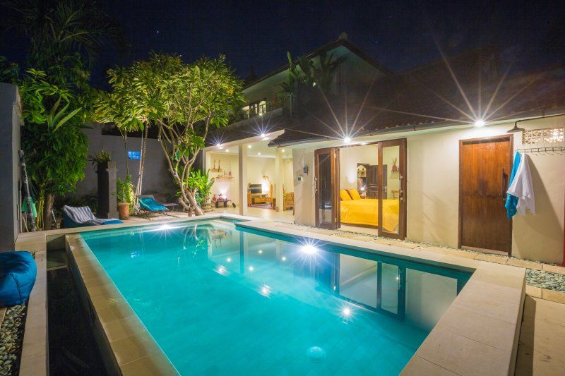 3bd villa Africa, central Seminyak, 5 min to beach