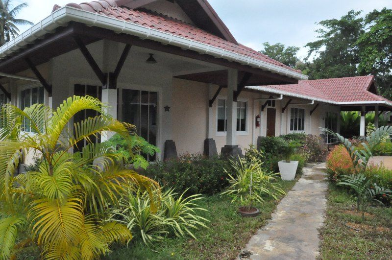 Cosy Villa Cottage 100 m from the Andaman Sea